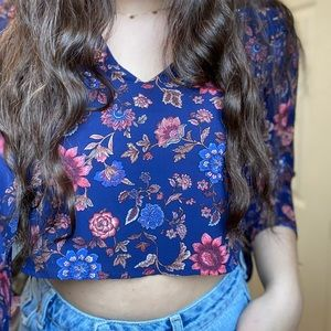 Floral flowy mid length sleeve shirt